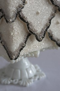 sparkling detail 199x300 Sparkling Winter Wedding Cake