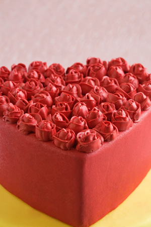 roses and heart cake close Roses and Heart Cake